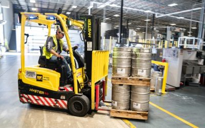 Comment manipuler et stocker efficacement des produits dangereux pour mieux protéger ses salariés ?