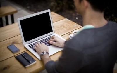 Ergonomie au travail : 5 règles pour une bonne posture au bureau